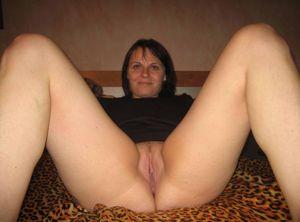 Chubby-mature-brunette-sexlife-x240-i7atne3u7w.jpg