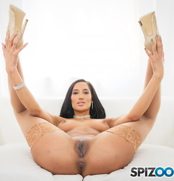 Spizoo - Chloe Amour - Hottie Brunette Chloe Amour is Back On POV Sex [FullHD 1080p]